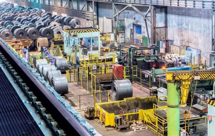 In de fabriek van thyssenkrupp in Duisburg-Hüttenheim is de beitserij voor warmgewalst staal gemoderniseerd om de kwaliteit van het eindproduct te verbeteren. De beitsbaden, inclusief de bijhorende apparatuur, zijn opgewaardeerd