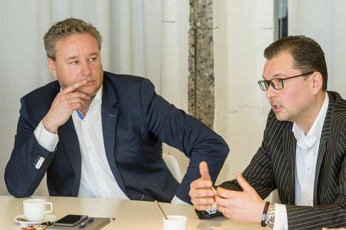 Gunter Vandervoort en Tom Robyns, beiden Salesmanager bij Kingspan