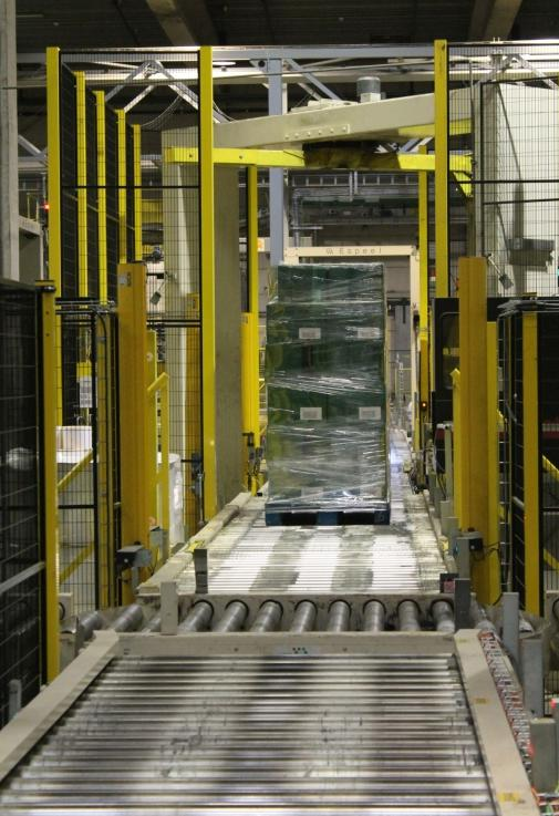 Bij onderhoudswerken moest de centrale verpakkingslijn telkens volledig stilgelegd worden. Dankzij het nieuwe veiligheidsconcept waarbij de lijn in stukken werd opgedeeld, is dit niet langer het geval