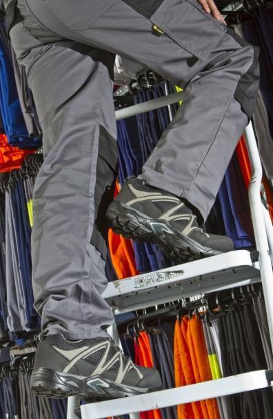 Schoenen, hier Bel-Confect, worden steeds sportiever