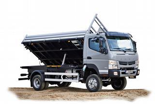 Lichtere werfvrachtwagens kunnen worden uitgerust met een kipperchassis en/of aandrijving op alle wielen
