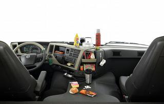 Naast de verschillende technische innovaties, wordt ook de cabine steeds comfortabeler, ergonomischer, ruimer en beter afgeveerd