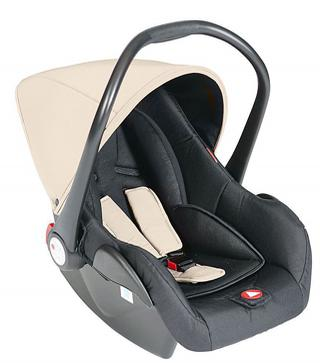 Deze autostoel (0-9 mnd.) van Topmark is verkrijgbaar in zwart, camel, navy blue en pink
