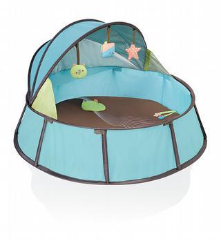 De pop-up BabyNi van Babymoov bestaat in een klein en gewoon formaat en is een reisbed en uv-beschermend park in één