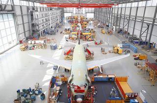 De eindassemblage van de A320-modellen vindt plaats op de Airbus site in Finkenwerder (bron: Airbus)