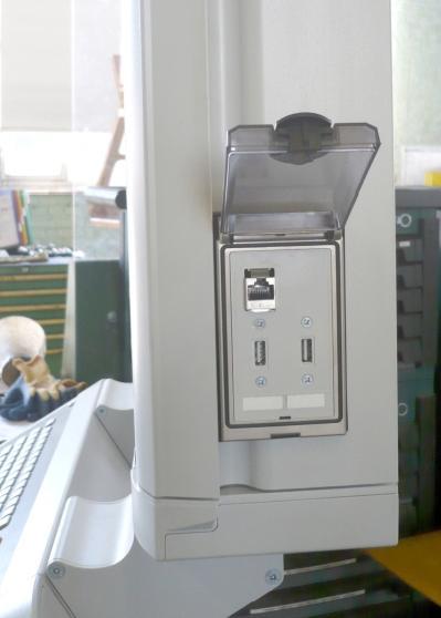 De TNC640 CNC-besturing heeft gigabitethernet en USB-netwerkinterfaces om data weg te schrijven voor werkvoorbereiding en back-ups