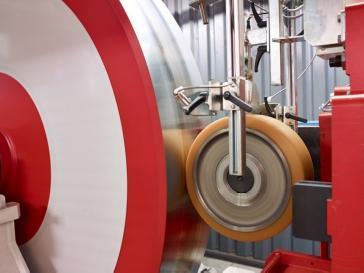 Vulkoprin test het materiaal Vulkollan® in hun testfaciliteit