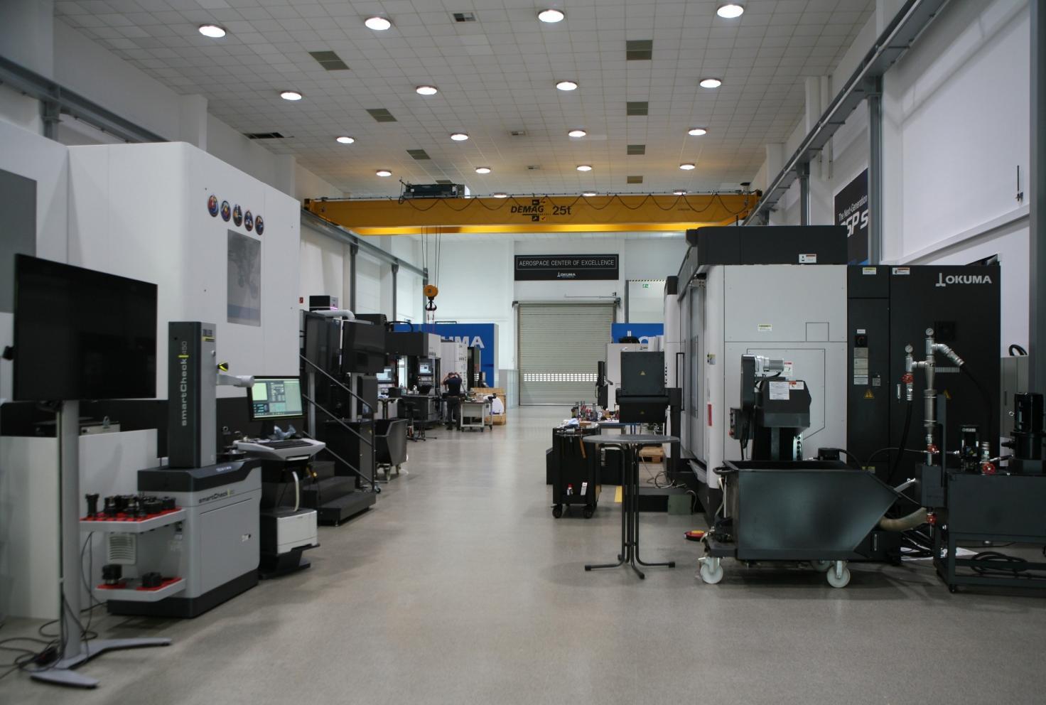 Tijdens de opendeurdagen worden er in dit 'Aerospace of Excellence' live demonstraties gehouden op verschillende machines