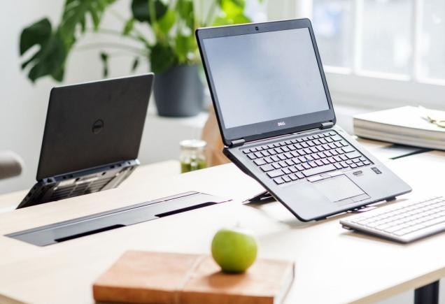 Belangrijkste trend zijn de golf van de verdere digitalisatie en de uitgebreide connectie met internet.  Je ziet oudere producten die heruitgevonden worden en een digitaal scherm en/of een internetverbinding meekrijgen