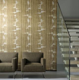 Dit behang is gebaseerd op de eeuwenoude Japanse kleurtechniek 'shibori', 'tie dye' in het Engels