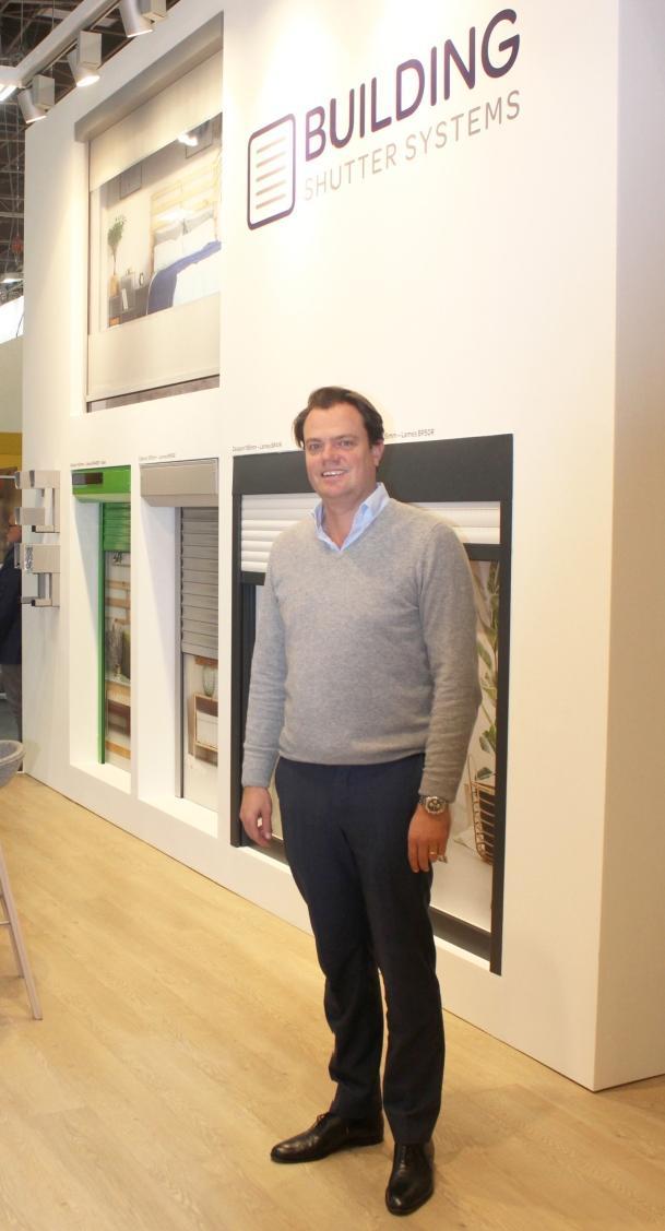CEO Thibaut Suys op de stand  van Equipbaie in Parijs, waar het nieuwe logo voor het eerst werd getoond
